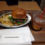 ヴィレヴァンダイナーでクラシックバーガー食べた